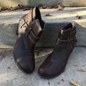 Sofft Brown Leather Ankle Heel Boots Size 8.5